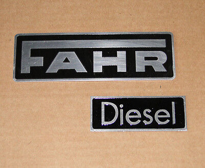 Fahr + Diesel Schild / Haubenemblem aus Aluminium Traktor Schlepper (27/26