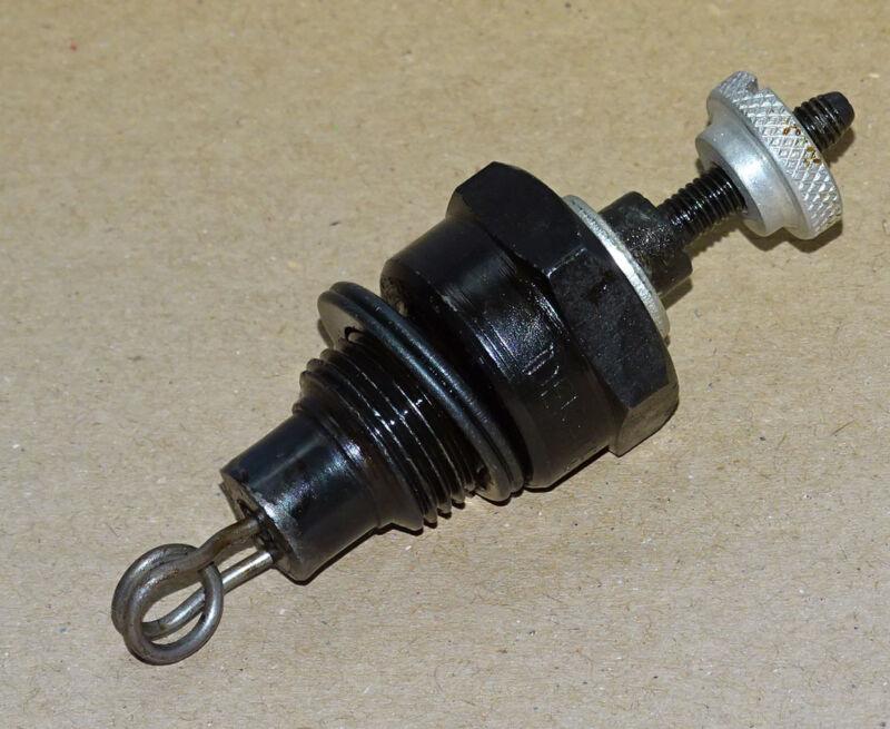 Glühkerze 1,7V für Deutz F1L514 F2L514 F3L514 F4L514 Traktor bzw Motor Foto 1
