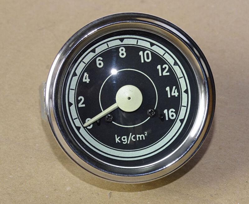 Öldruckmanometer Einbaumaß Ø60mm mit Beleuchtung für Traktor Druckanzeige 10 Foto 1