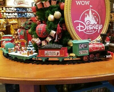 2019 Disney Parks Christmas Tree Train Set Mickey & Friends Holiday Express New ()