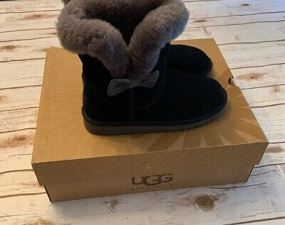 UGG AUSTRALIA KOURTNEY BOOTS BLACK GRAY KIDS SIZE 4, ORIGINAL BOX 1005398K