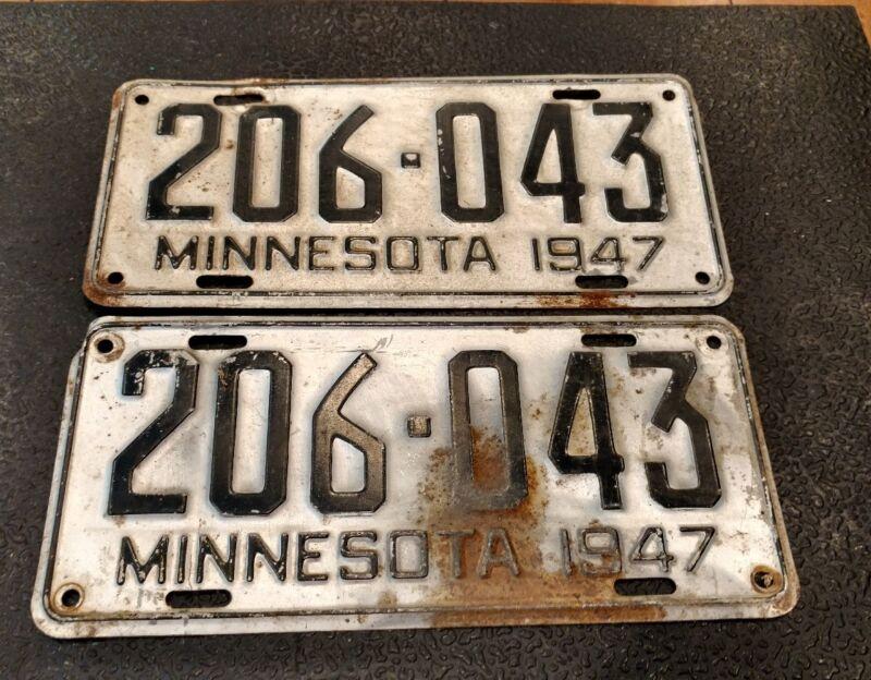 Pair of 1947 Minnesota License Plates #206-043 - ms