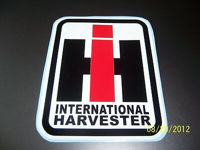 1- INTERNATIONAL HARVESTER 4