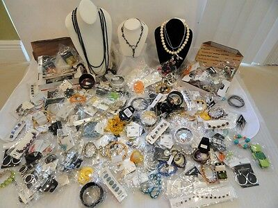 BIG WHOLESALE MIXED LOT 11 NEW FASHION JEWELRY NECKLACES EARRINGS BRACELETS   on Rummage