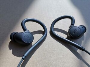 JAYS m-Six Bluetooth earphones - made for sports/workout