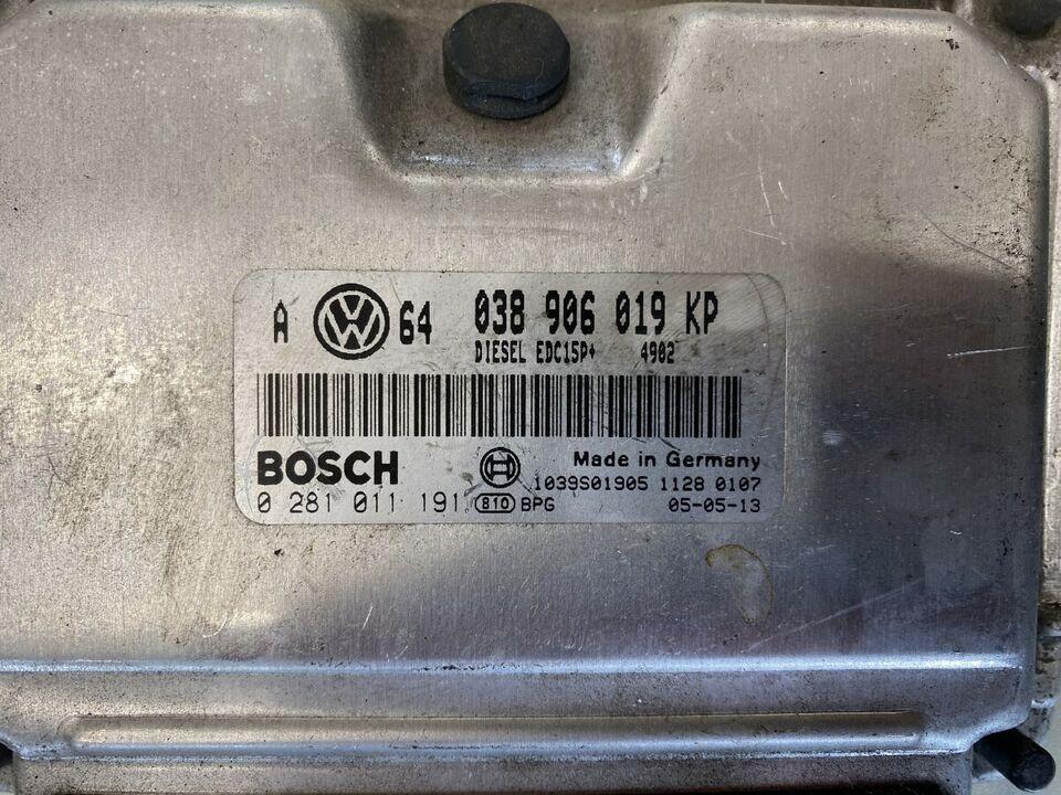Motorsteuergerät VW Steuergerät 038 906 019 KP Bosch 4902 in Duisburg