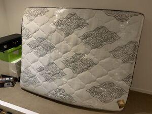 Queen AH Beard mattress like new