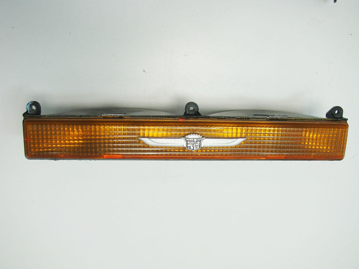 80-89 Cadillac Fleetwood Brougham LH Parking Light Turn Signal Lamp Amber Silver