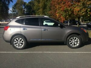 2013 Nissan Rogue SV AWD Local, No accidents,