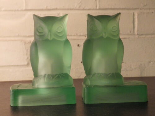 BAGLEY GLASS Green Uranium Glass RARE ART DECO PAIR OF OWL BOOKENDS