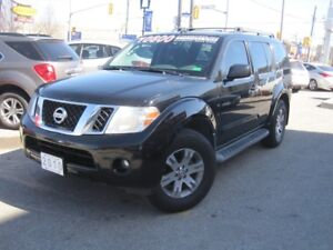 2010 NISSAN PATHFINDER SE | 4X4 • Power Group • V6