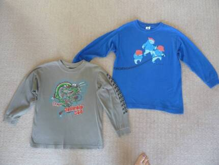 2x Long sleeve t-shirts. Phys.Sci & Sonoma. Size:S (approx 8yrs).
