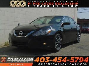 2017 Nissan Altima 2.5 SV w/ Sunroof, Backup Camera, Bluetooth