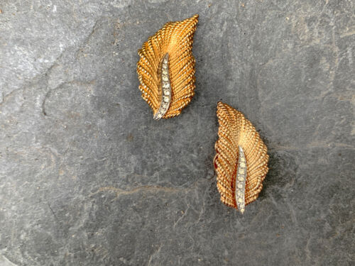 Classic Rare Signed CINER Gold and Rhinestone Leaf Clip-on Earrings