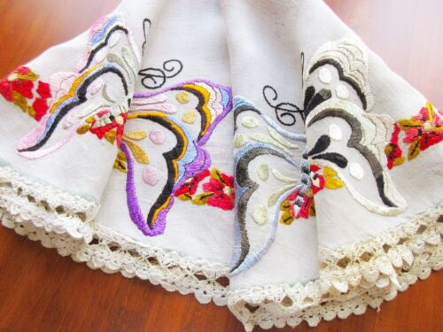 """Authentic Antique Arts & Crafts Hand-Embroidered Natural Linen Tablecloth 33"""" D."""