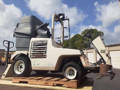 Tennant ATLV 4300 All Terrain Ride On Litter Vac Leaf Parking Sweeper Vacuum