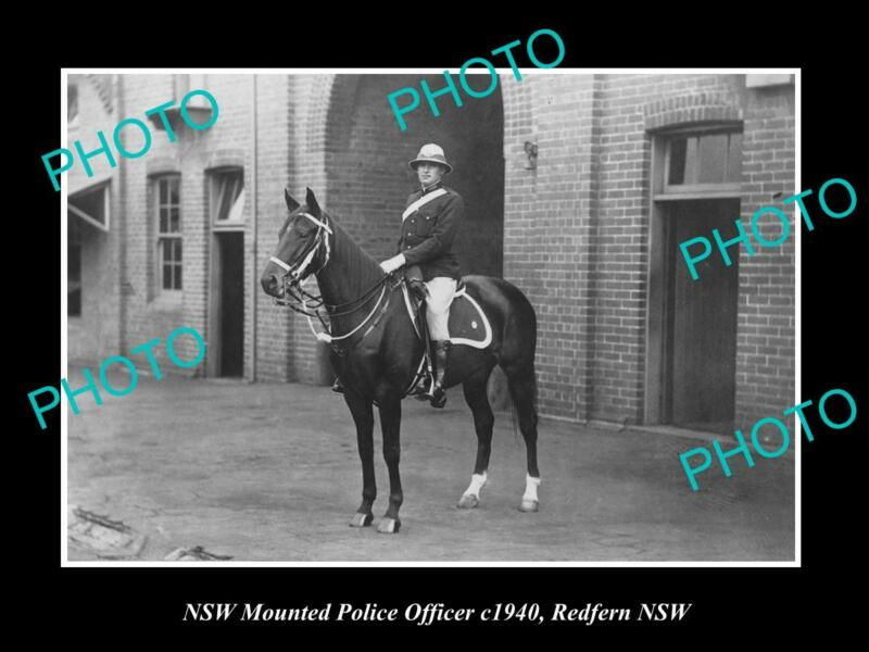 OLD POSTCARD SIZE PHOTO OF NEW SOUTH WALES MOUNTED POLICE OFFICER c1940
