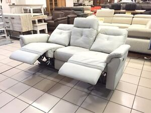 100% LEATHER ELEGANT 3 SEATER W/ DUAL ELECTRIC RECLINER Logan Central Logan Area Preview