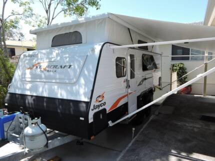 2015 Jayco Starcraft 17.58-3OB Bunk Van