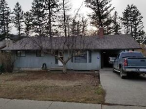 Extra large family home for sale !