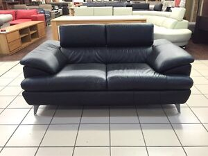 CLEARANCE 100% LEATHER - 2 SEATER W/ADJUSTABLE HEADRESTS (BLACK) Logan Central Logan Area Preview