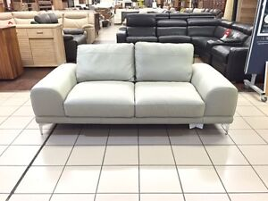 100% LEATHER CLOUDY 2 SEATER LOUNGE Logan Central Logan Area Preview