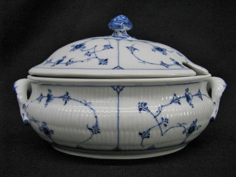 "Early Royal Copenhagen Blue Fluted Lace 11"" Tureen (Plain); Mint"