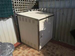 Swimming Pool filter cover + Equipment storage box Beechboro Swan Area Preview