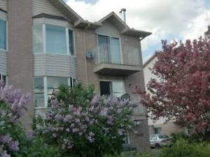 AVAILABLE NOW - NICE 3-BEDROOM APARTMENT IN GATINEAU