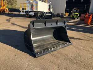 1900mm wide hydraulic tilting batter bucket with bolt on edge - AU2080BTILTBKT Kewdale Belmont Area Preview