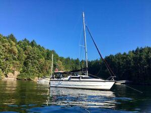 2002 90hp MacGregor 26X hybrid power-sailboat