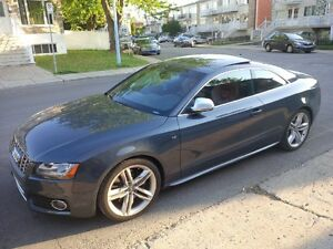 Warranty + Red Interior Audi S5 avec Garantie