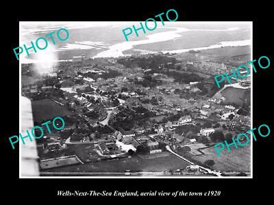 OLD 6 X 4 HISTORIC PHOTO OF WELLS NEXT THE SEA ENGLAND, VIEW OF THE TOWN c1920