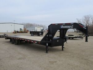 2019 Diamond C FMAX212 - 32' Industrial Flatdeck Trailer