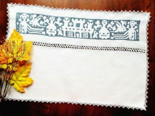 RARE SPANISH BLACKWORK EMBROIDERY Handmade Lace •Weird Creatures Tablecloth Mint