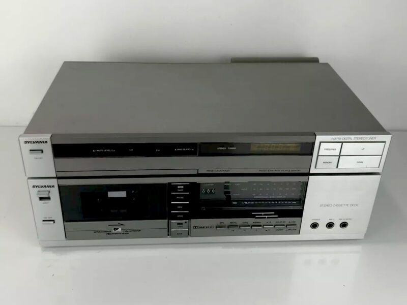 Sylvania Stereo Cassette Deck AM-FM Stereo Tuner/Great Condition