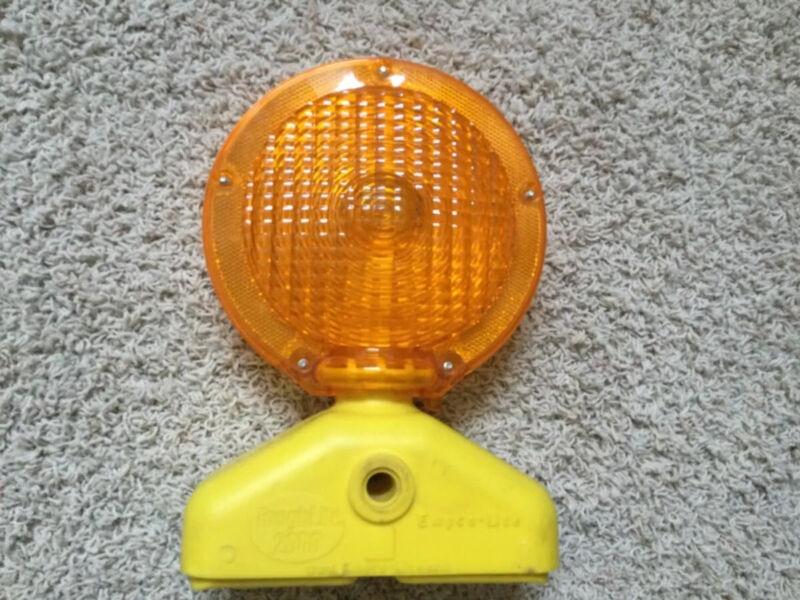 Empco-Lite Tough Lite 2000 LED Flashing Hazard BATTERY POWERED BARRICADE LIGHT