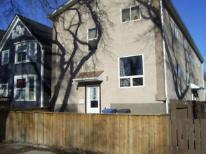 Four Bedroom Suite in Downtown Winnipeg on Sherbrook Street