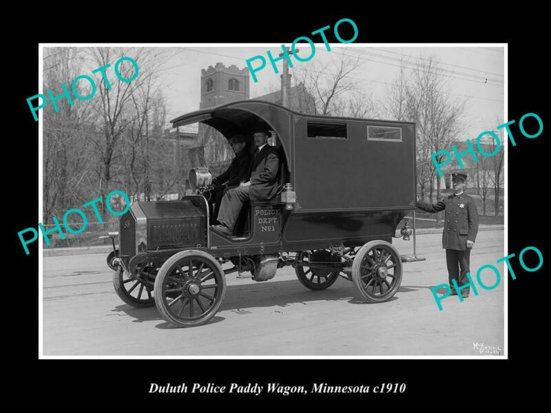 OLD POSTCARD SIZE PHOTO OF DULUTH MINNESOTA THE POLICE PADDY WAGON c1910