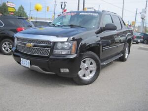 2009 CHEVROLET AVALANCHE Z71   Crew Cab • Leather