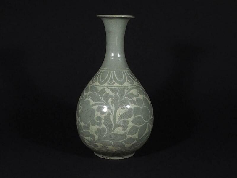 Korean Goryeo Dynasty Inlaid Flower Vase / H 31.2[cm]