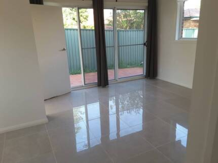 2 Bedroom 60 sqm Granny flat located in Concord West for rent 550