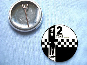 2-Tone-25mm-Badge-The-Specials-The-Beat-Madness-The-Selecter-Special-AKA