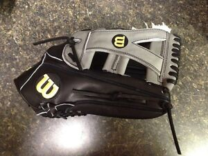 Wilson WTA2000LEDEC13 Yasiel Puig December Glove of the Month  Right Hand Throw