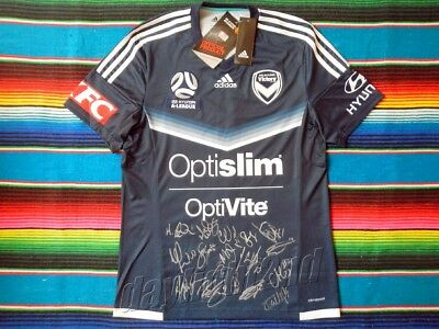 ✺Signed✺ 2017-18 MELBOURNE VICTORY A-League Premiers Jersey PROOF COA 2019 image