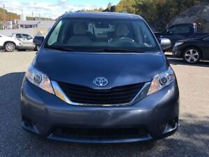 2014 Toyota Sienna LE 8 PASS | CAM | HEATED SEATS | 1 OWNER
