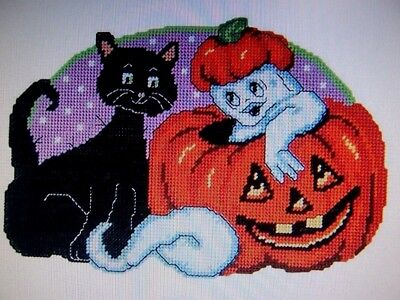 HALLOWEEN GHOUL FRIENDS WALL HANGING PLASTIC CANVAS KIT 18x12