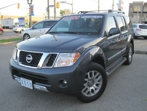 2010 NISSAN PATHFINDER LE | Leather • DVD• Sunroof • Running Boards • Alloy Wheels