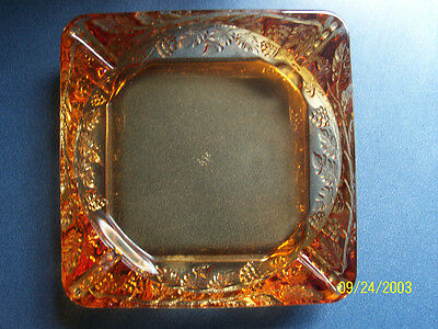 WONDERFUL WESTMORELAND SQUARE AMBER ASHTRAY BERRIES AND LEAVES PATTERN