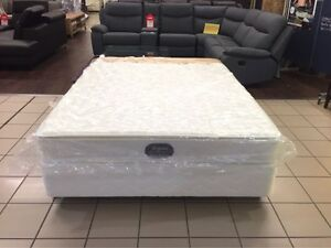 BRAND NEW QUEEN MATTRESS W/ PILLOW TOP Logan Central Logan Area Preview